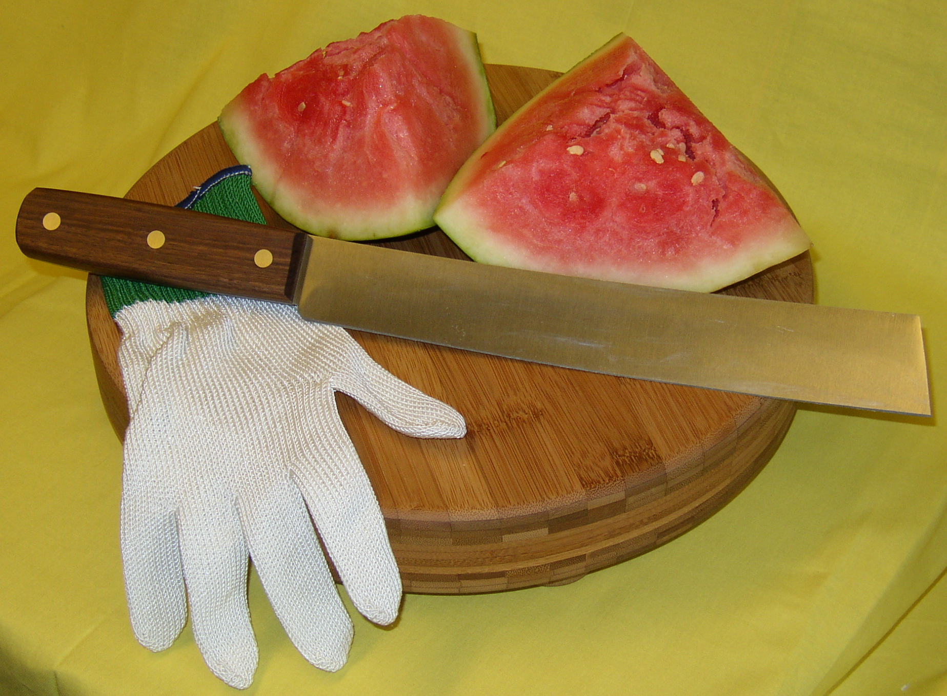 Watermelon knife and protective Kevlar glove